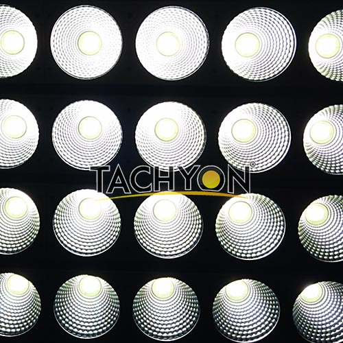 1000W High Power LED Football Stadium Flood Light-turn on