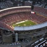 スタジアムのライト&-スポーツ ライト